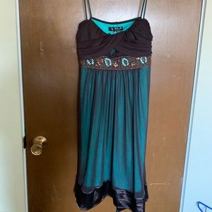 Brown and turquoise dress